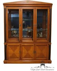 ETHAN ALLEN Medallion Collection 67 Lighted Cherry China Cabinet