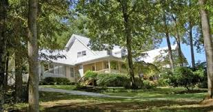 Romantic Getaways in Alabama River Rest Bed and Breakfast in