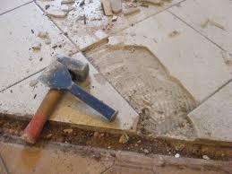 changer carrelage cuisine 5ème jour enlever le carrelage au sol on refait la cuisine
