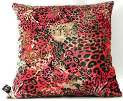 casa padrino luxus wohnzimmer deko kissen kansas leo mehrfarbig 45 x 45 cm feinster samtstoff luxus kollektion