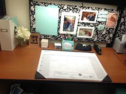 Cubicle Decoration Ideas In Office by Office Cubicle Makeover Diy Ballin U0027 On A Budget Pinterest