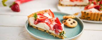 erdbeer rhabarber cookie dough tarte