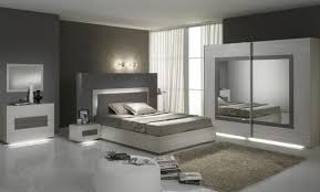 but chambre adulte but armoire chambre affordable armoire portes chambre b a b a