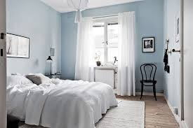 bedroom paint colors with brown furniture light blue walls