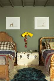 chambre vert kaki une chambre d enfant en vert kaki bedrooms rooms and room