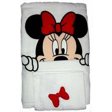 Mickey Minnie Bathroom Decor by Your Wdw Store Disney Bath Towel Set Minnie Mouse Towel And