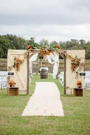 Old Wedding Barn Doors With Wooden Boxes Barrels 10 Rustic Door Decor Ideas For Outdoor Country Weddings
