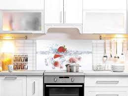esg glasbild 4 mm spritzschutz motiv erdbeere im wasser
