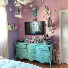 Kelly Edens Room Definitely Like The Colors And Gonna Borrow Idea Of Pastel Painted Furniture