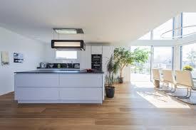 großer koch wohn essbereich minimalistisch küche