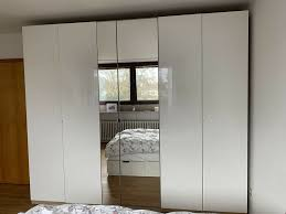 ikea pax kleiderschrank hochglanz weiß mit 2 spiegeltüren
