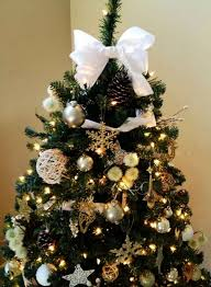 Bow On Christmas Tree 08
