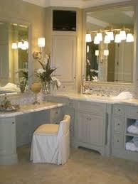 Bathroom Vanities With Matching Makeup Area by Best 25 Master Bath Vanity Ideas On Pinterest Master Bathroom