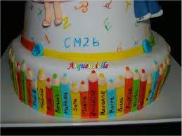 deco gateau en pate a sucre gâteau école collège pour la classe de ma grande fée déco pâte