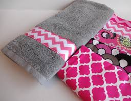 Decorative Hand Towel Sets by Chic Pink And Grey Bath Towels 1000 Ideas About Bath Towel Decor