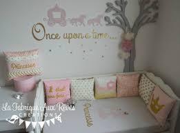 deco chambres bébé décoration chambre enfant bébé fille princesse conte de fée doré