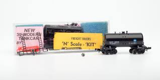 N-Scale For Sale: Roundhouse Products 30' Modern Tank Car Kits