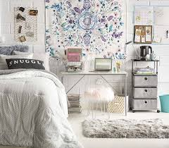 Dos And Donts Of Dorm Room Decorating For College Students