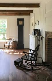 Primitive Living Room Furniture by 354 Best Colonial Design Images On Pinterest Primitive Decor