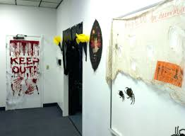 Office Cubicle Halloween Decorating Ideas by 100 Office Team Halloween Costume Ideas Follow The Yellow