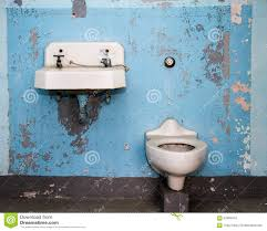 ein schlechtes badezimmer stockbild bild geruch 67869479