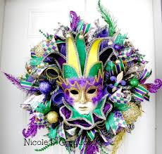 Burlap Mardi Gras Door Decorations by 25 Beautiful Jester Mask Ideas On Pinterest Halloween Clown