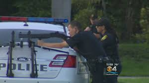 Wilton Manors Halloween Parade by Swat Team Called About Distraught Wilton Manors Man Cbs Miami