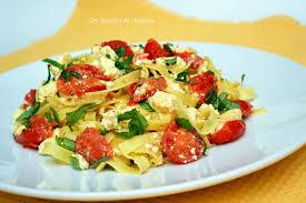 cuisiner le basilic ma cuisine au fil de mes idées tagliatelle à la feta tomates