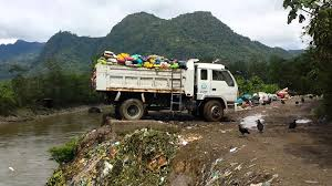 Plastic Rubbish Been Dump In The Amazon River - YouTube Truck Youtube Garbage Trucks Rule Youtube Remote Control Schedules Homewood Disposal Service Videos For Children L Best And Toys Color Learning For Kids Waste Management Of Litchfield Park At The Dump Part 2 And Dickie Recycle Toy