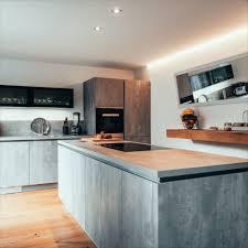 betonoptik tritt massivholz küche betonoptik küchen ideen