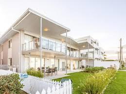 100 Beach House Gold Coast Book Sandbox Luxury Front Apartments
