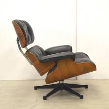 Rosewood Lounge Chair By Charles & Ray Eames For Herman Miller ... Vitra Eames Lounge Chair Charles Herman Miller Walnut Evans Lcw By And Ray Rosewood Ottoman Palm Beach And For For Sale At 1stdibs 670 Retro Obsessions Vintage Office Designs In Black Leather Rare White By A