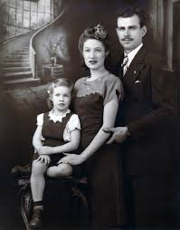 1947 Carole King And Parents Eugenia Sidney Klein