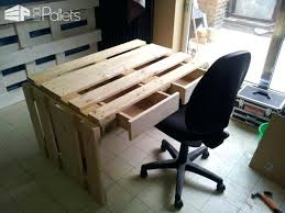 pallet desks – upsite