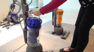 Dyson Dc41 Multi Floor Vs Animal by Dyson Dc40 And Dc41 Which First Look Youtube
