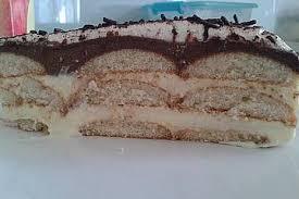 eierplätzchenkuchen mit schokoladen und vanillepudding