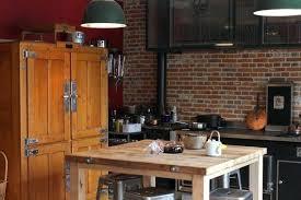 parement cuisine parement brique interieur dans la cuisine la hotte est incrustace de