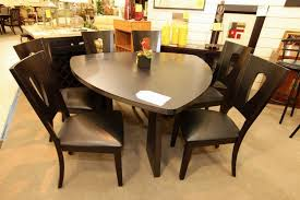 Najarian Triangle Dining Table With 6 Chairs