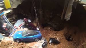 Corvette Museum Sinkhole Cars Lost by Sinkhole In Corvette Museum Destroys Expensive Cars Youtube