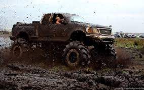 100 Monster Truck Race MUD BOGGING 4x4 Offroad Racing Truck Racing