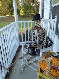 Outdoor Halloween Decorations Diy by The Best 35 Front Door Decors For This Year U0027s Halloween