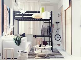 aménager de petits espaces déco chambre en 55 idées originales