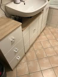 badezimmer möbel mit armatur und waschbecken in 6330