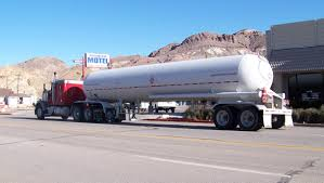 100 Tank Truck FileLPG Tank Truck On US 95jpg Wikimedia Commons