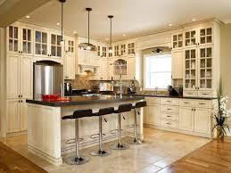 armoire cuisine en bois mountain cottage kitchen