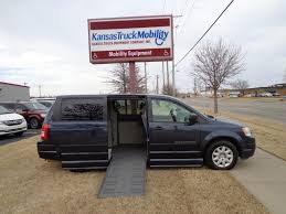 2008 Chrysler Town And Country LX Braun Entervan - 8R811689 - Kansas ...