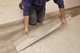 comment poser un sol vinyle toutes les é et astuces