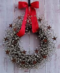 RED WHITE Rusty Star Berry Door Wreath Winter Spring Front