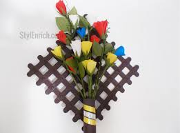 Simple And Easy DIY Paper Roses As A Wall Hanging