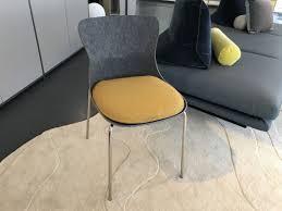 stuhl ettoriano grau sitzkissen gelb ligne roset einzelstück
